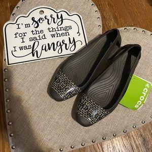 Shoes - NWT Crocs flats!